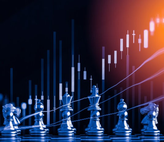Wibest Broker-Forex Strategies: trading strategy concept, chess piece lined up
