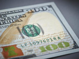 Wibest Broker-Currency Pairs: close up shot of a US dollar bill